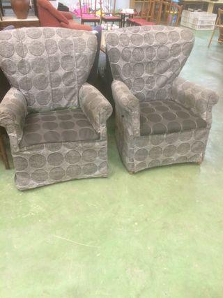 2 sillones o butacas grises