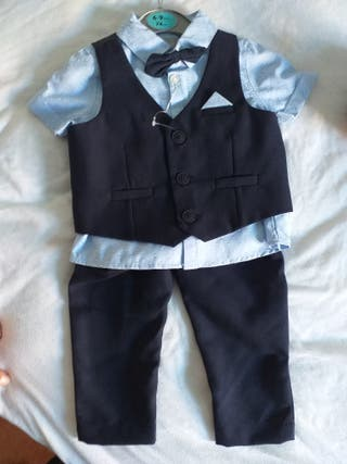 traje bebé niño talla 6-9 meses.Ideal para navida