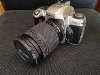 Cámara de fotos Nikon F65 + objetivo