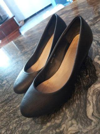 Zapatos talla 37.