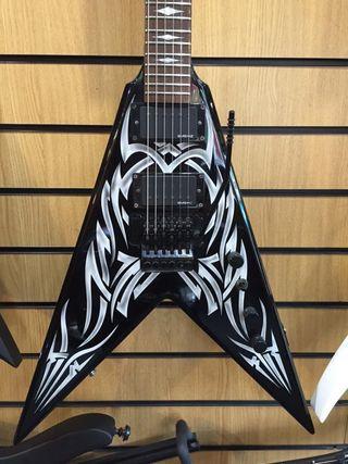 Cambio por Jackson Guitarra BCRich KKV SIGNATURE