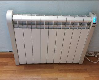 Radiador de calor azul Acesol de 9 elementos.