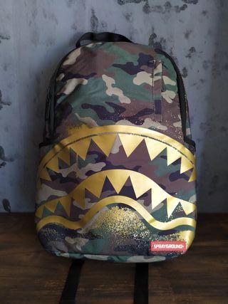 Mochila Sprayground, Gold Stencil Shark Camo