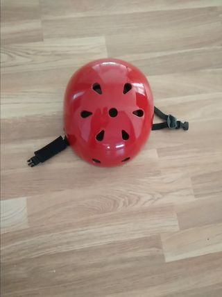 casco bmx o patinaje