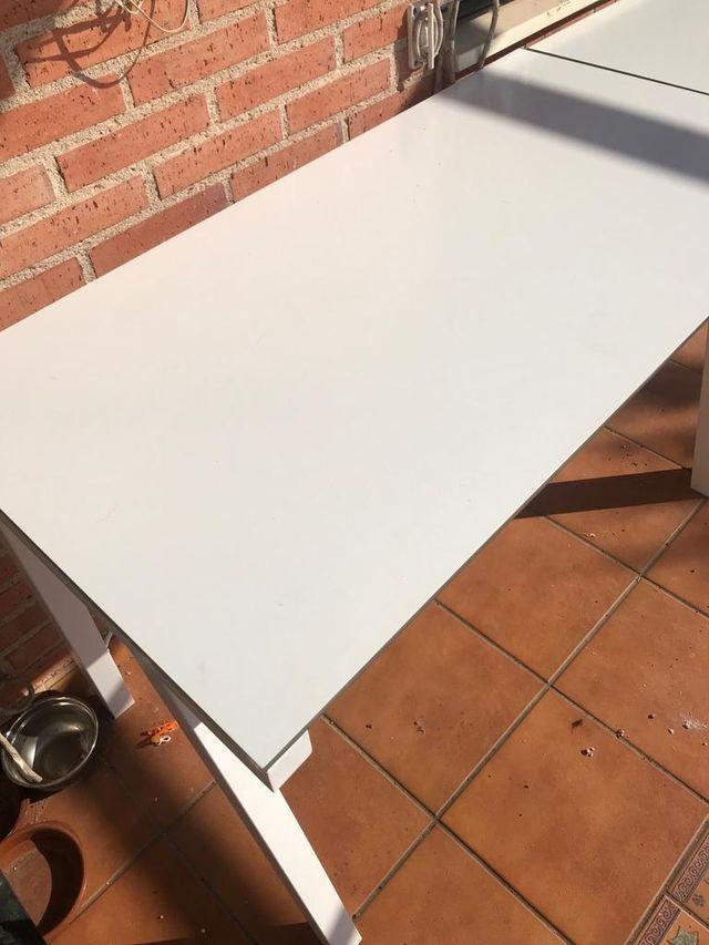 Mesas de cristal blancas