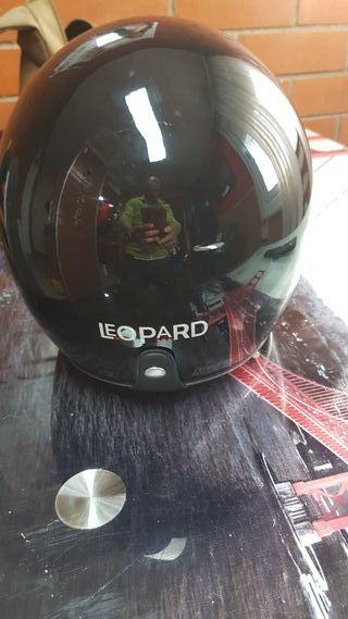 casco leopard 56