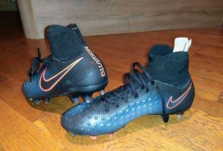 Botas de futbol Nike (nuevas)