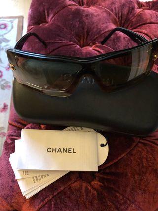 Gafas Chanel, con etiquetas dentro