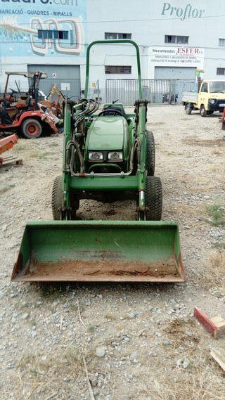 Tractor John Deere 946 c/ pala