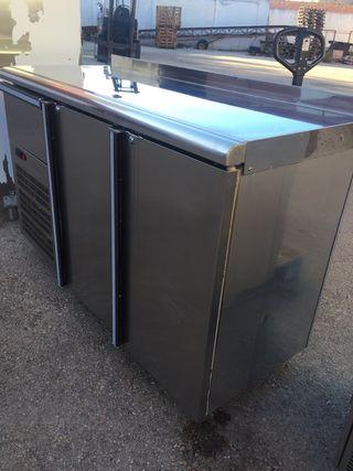Mueble cafetero de frio