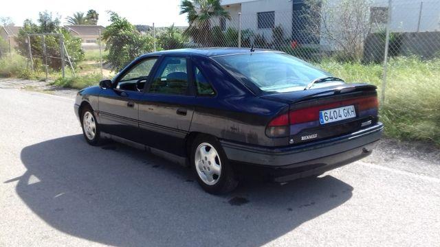 Renault Safrane 1996