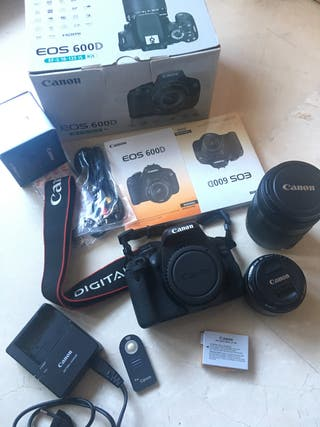 Canon 600d con objetivo y más