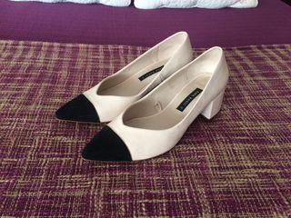 Zapato tacón bajo