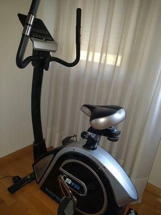 Bicicleta STR Black Edition SALTER PT-1575