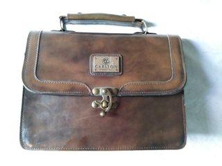Bolso maletín de piel marrón