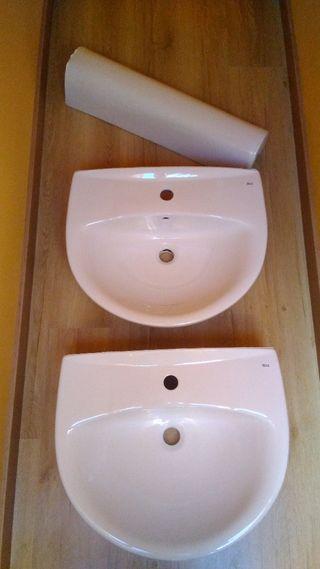 2 lavabos y 1 pie de lavabo Roca