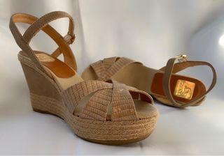 Sandalias con plataforma.