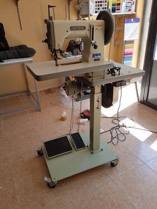 Maquina de coser industrial de triple arrastre