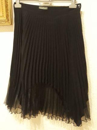 Falda negra plisada de Roberto Verino 40
