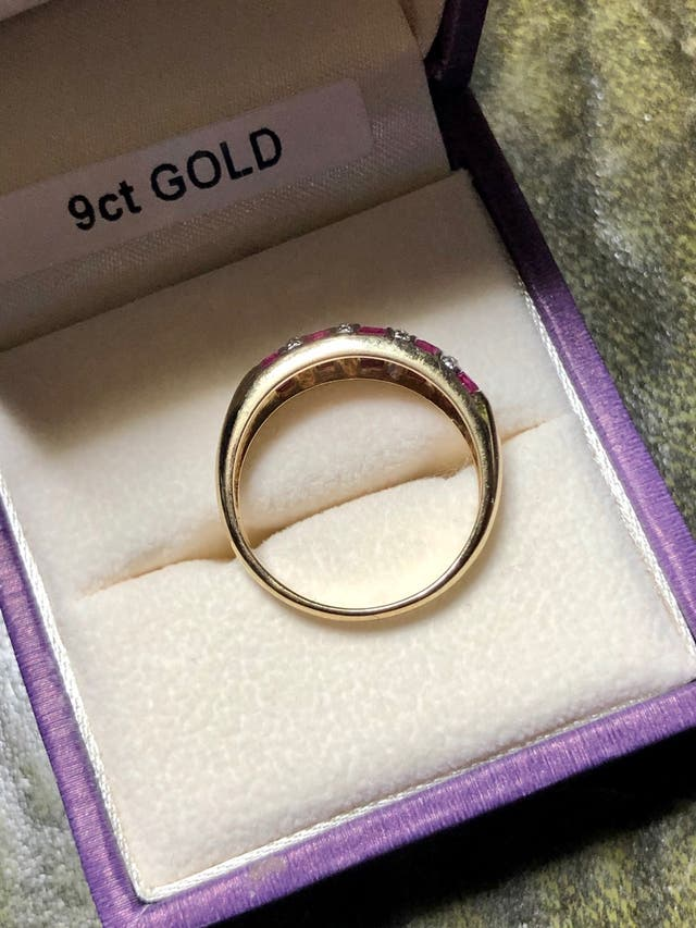 9k Gold Rubies & small DIA Ring