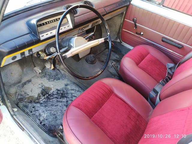 SEAT 124 1973