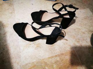 sandalias con tacón talla 41