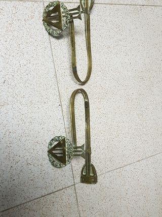 2 accesorios metálicos cortina