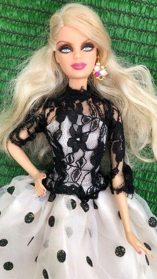 Muñeca barbie holiday