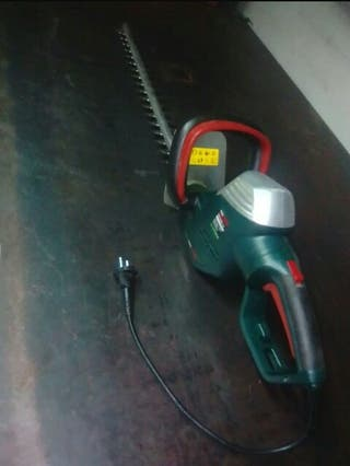 cortasetos powerplus eléctrico de 710w