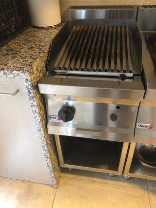 Cocina de gas con piedra de carbón