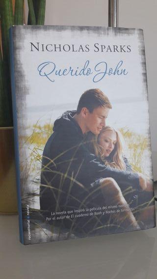"""Libro """"Querido John"""""""