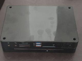 se vende mini pc con grabadora de DVD.
