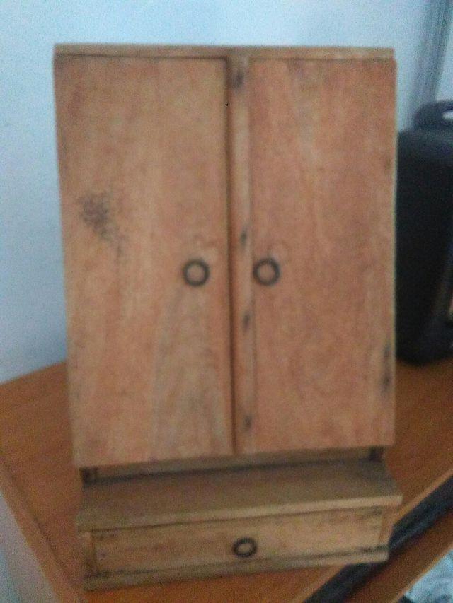 cartero mueble revistero Antiguo