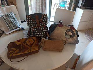 Lote de 3 bolsos y mochila