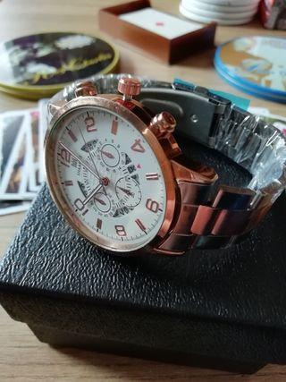 Reloj de hombre... Marca : Shaarms