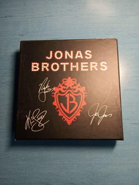 CD + Camiseta Jonas Brothers Edición Especial