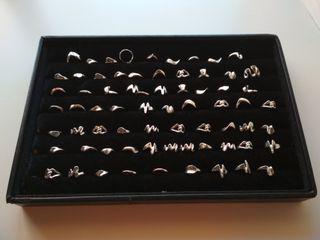 Bandeja expositora y anillos