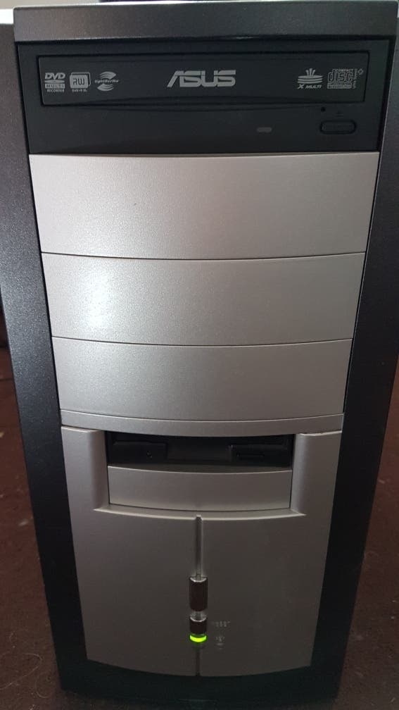 FOXCONN DESKTOP PC COMPUTER WINDOWS 10 TRIPLE COR