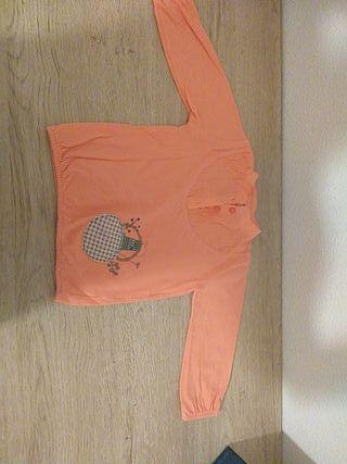 1 jersey niña y 1 camiseta con cuello camisa