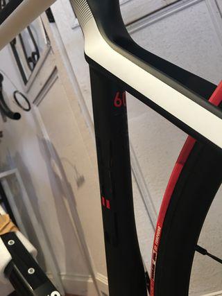 Bicicleta Cube Agree C62 Disc talla 60