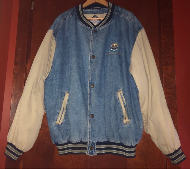 Chaqueta Universal Pictures