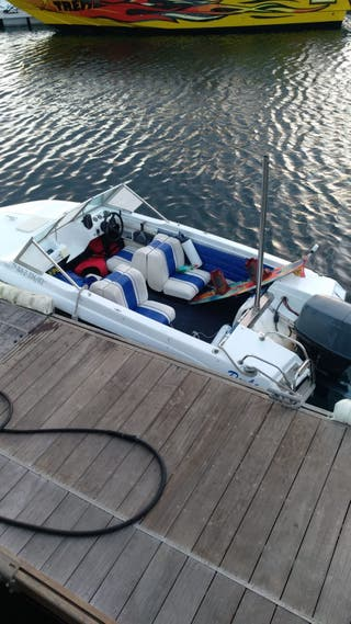 Barco Glastrom motor Fueraborda 90 Caballos
