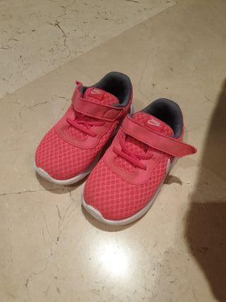 nike rosa talla 23.5