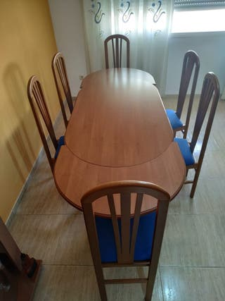 Mesa de salon extensible con 6 sillas
