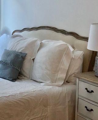 Cabecero de cama rustico.
