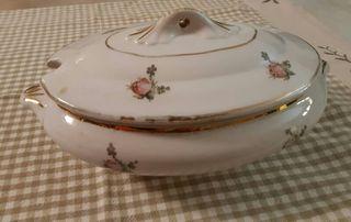 Sopera de porcelana antigua