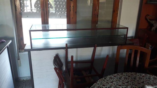 2 vitrinas de cristal con mostrador incluido