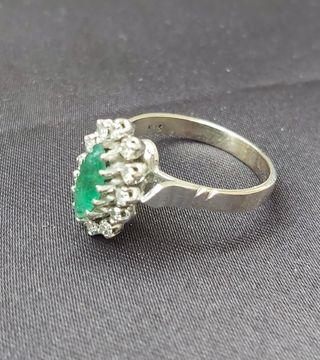 anillo oro blanco,esmeralda y diamantes