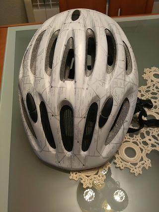 casco bicicleta .
