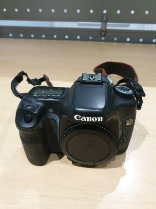 Cámara Canon EOS 40D y 3 objetivos.